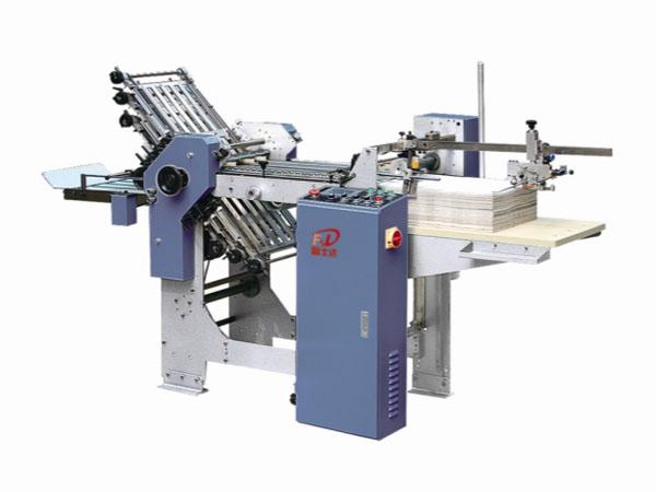 FSD 366 / 476 (6 comb + 0 knife) automatic folding machine